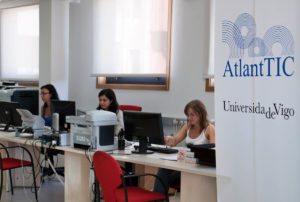 Centro AtlantTIC da Universidade de Vigo.