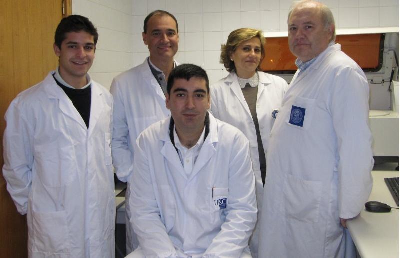 De esquerda a dereita, Víctor Alves, Joaquín Hernándeez, Ángel Abuelo, Cristina Castillo e José Luis Benedito, na Facultade de Veterinaria de Lugo.