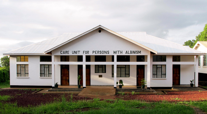 Centro de tratamiento para albinismo en Tanzania, donde trabaja Mafalda Soto.