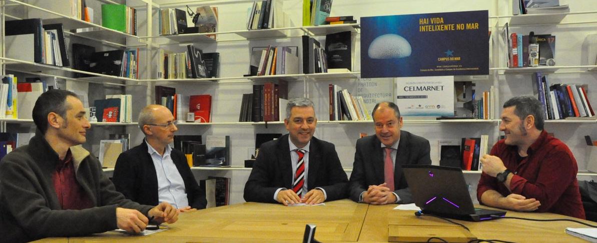 O reitor Mato, o secretario de Política Lingüística, Valentín García, e membros de Divulgare.