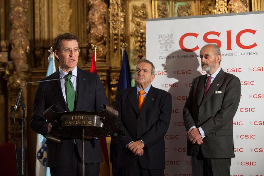 Feijóo na inauguración da exposición conmemorativa do 75 aniversario do CSIC