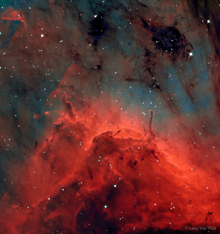 Piares e chorros na nebulosa Pelicano