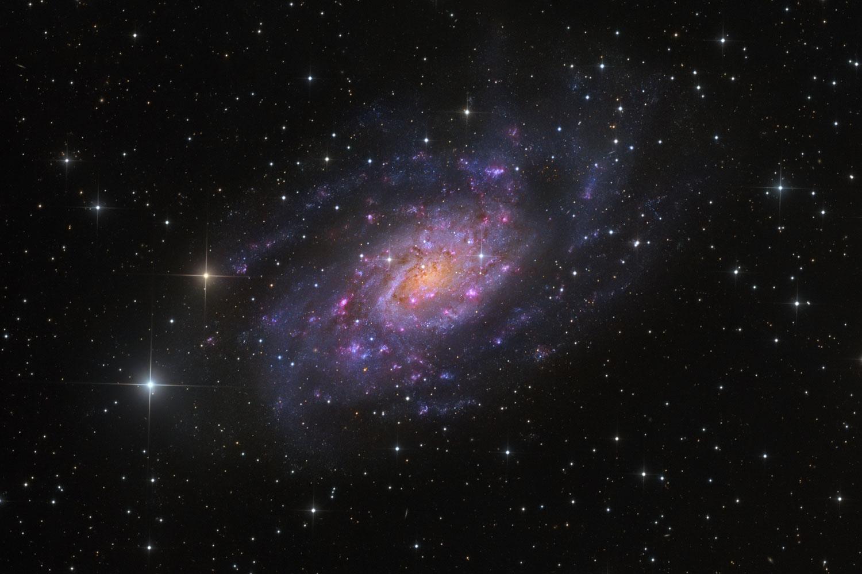 NGC 2403 na Xirafa