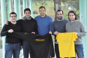 Foto de familia da Agrupación Aeroespacial da UVigo, que traballou no proxecto.