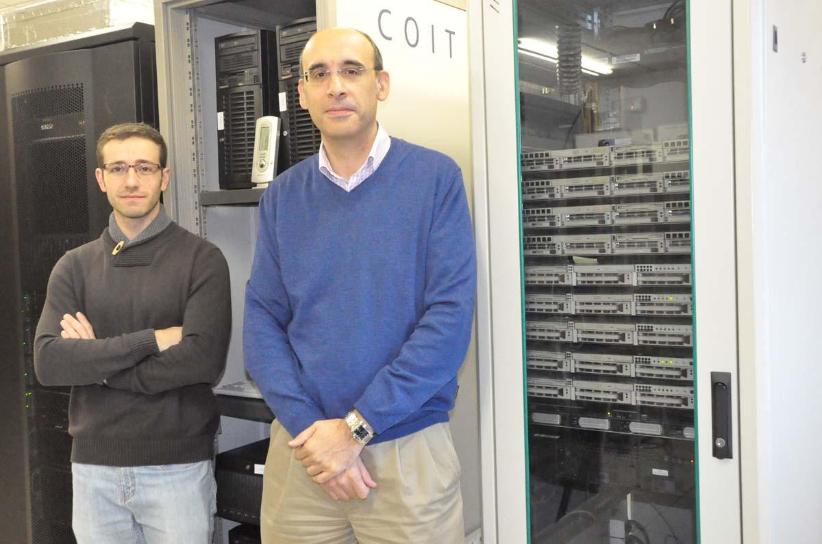 Os investigadores Juan Ramón Troncoso e Fernando Pérez.