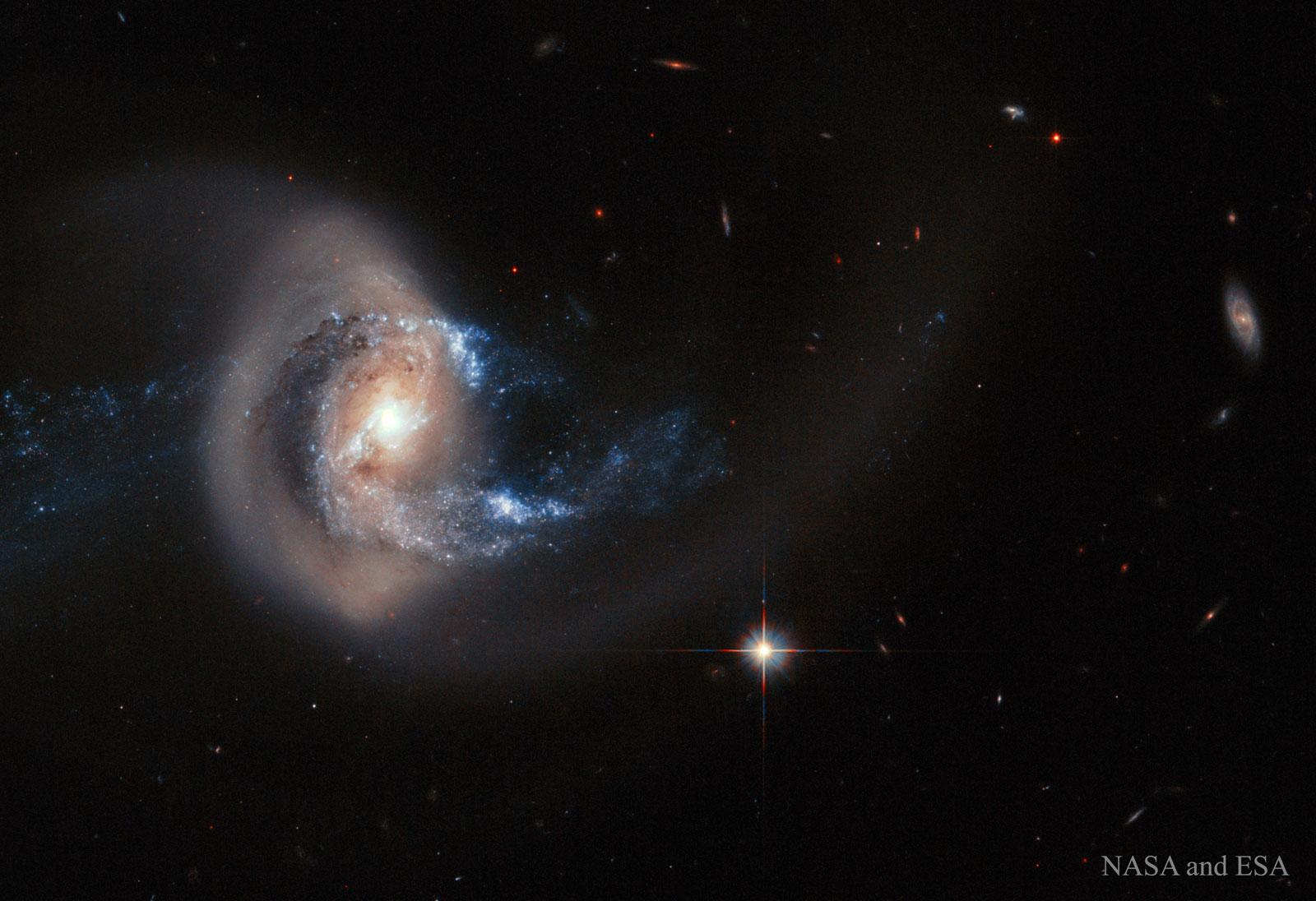 Galaxia NGC-7714 trala colisión