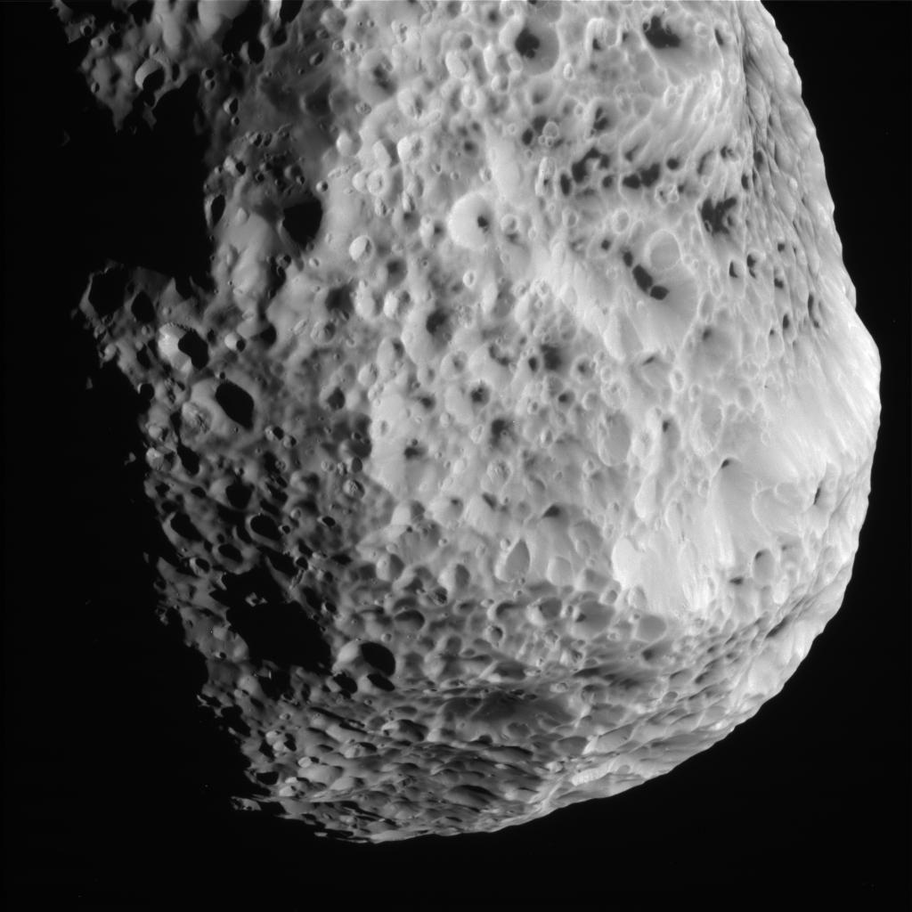Lúa Hiperión de Saturno