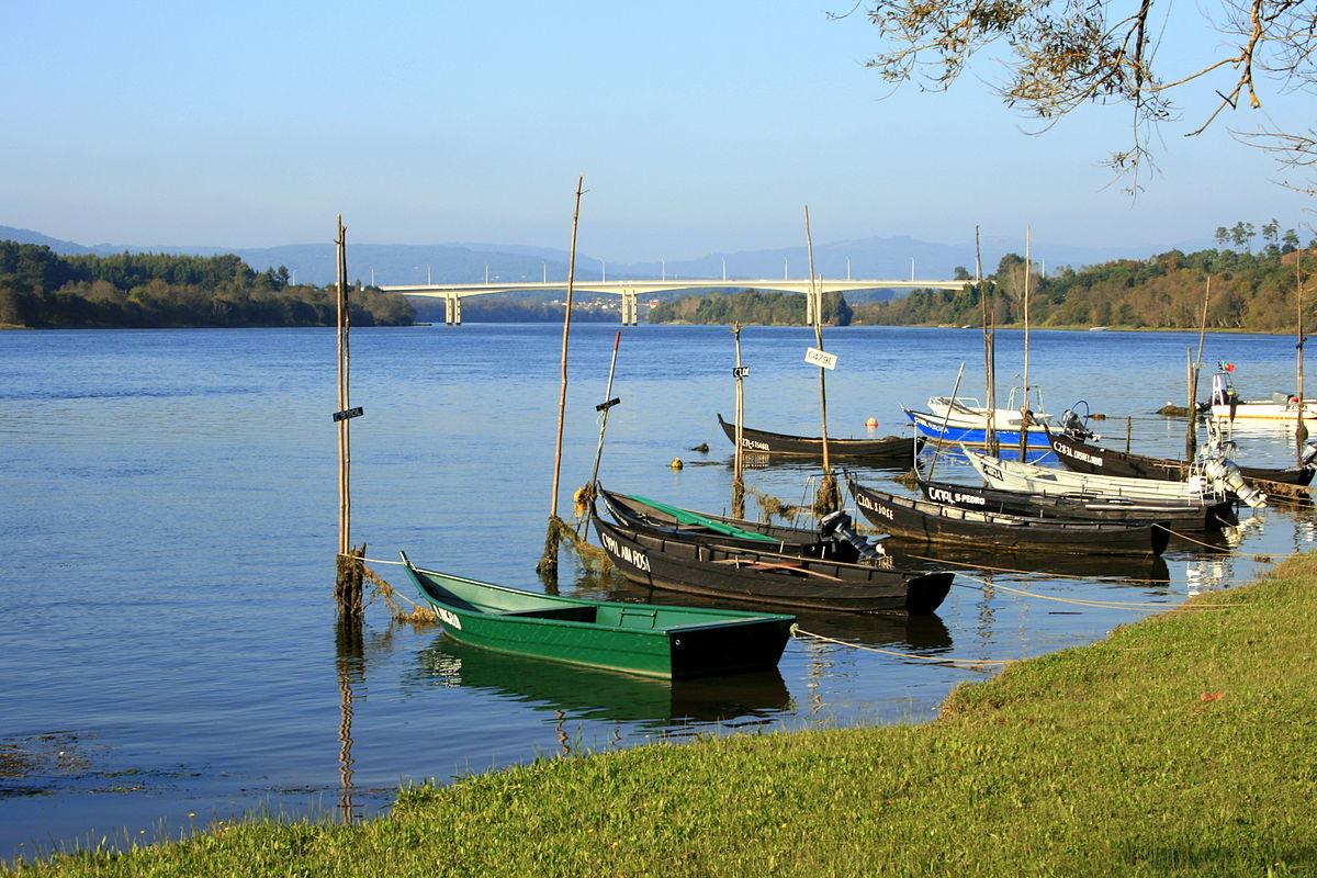 Río Miño, ao seu paso pola vila portuguesa de Vilanova da Cerveira. Foto: Iago Pillado.