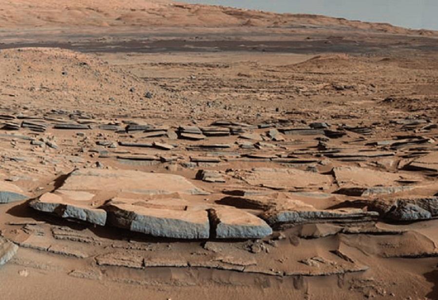 Imaxe do robot Curiosity que amosa un área onde houbo un gran lago en Marte. Foto: NASA.
