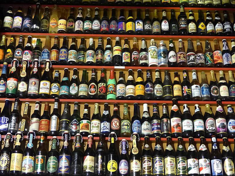 O envase da cervexa inflúe na resposta emocional do consumidor