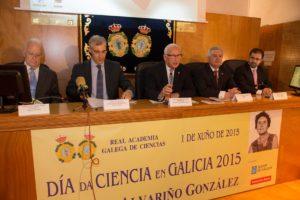 Mesa institucional do acto do Día da Ciencia en Santiago.