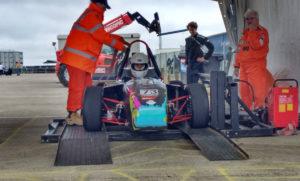 Probas no circuito de Silverstone do UM-15.
