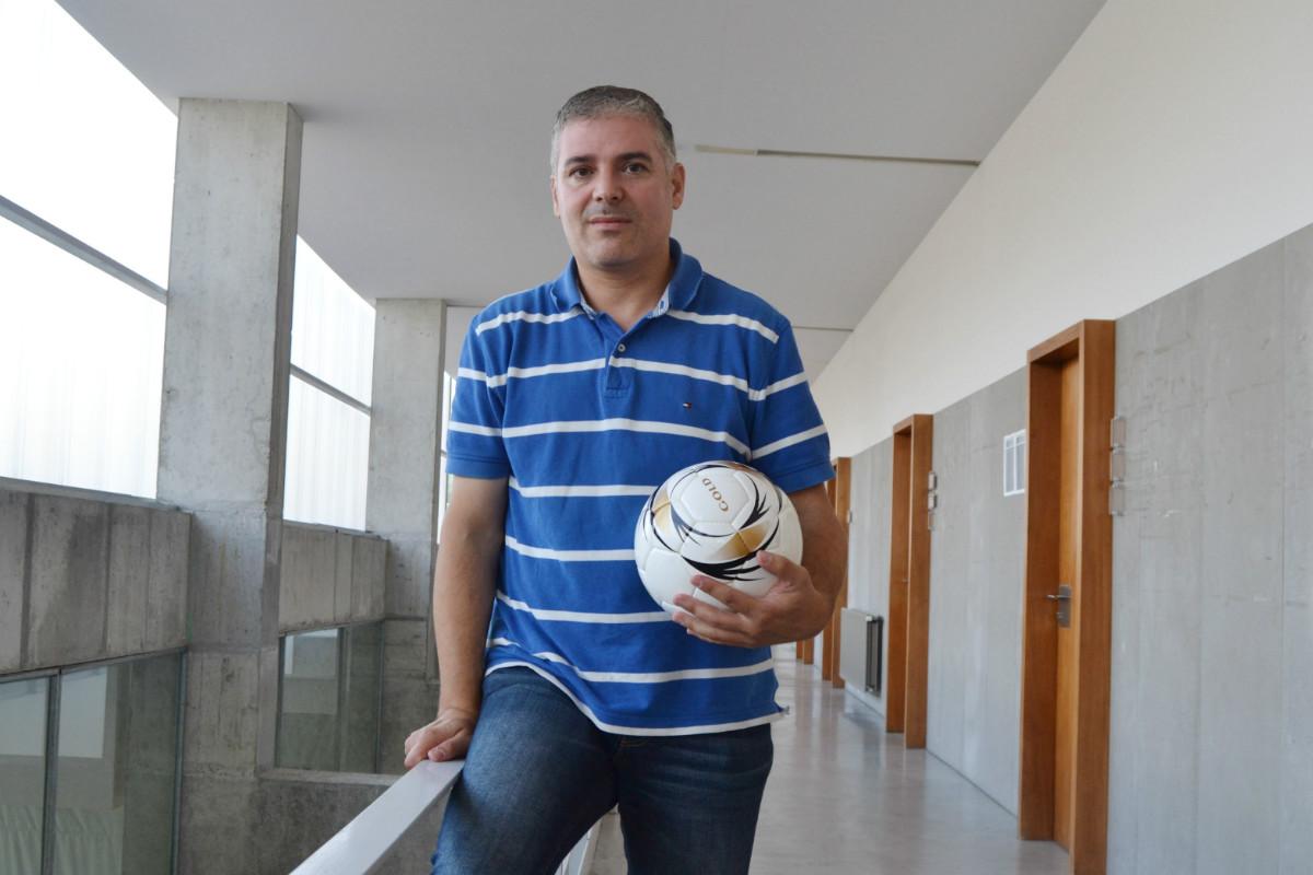 O profesor e investigador da UVigo Carlos Lago.