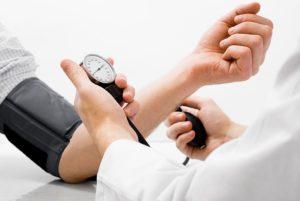 Medición da presión arterial.