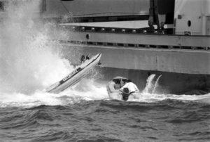 Accións de Greenpeace contra a Foxa Atlántica, nos anos 80.