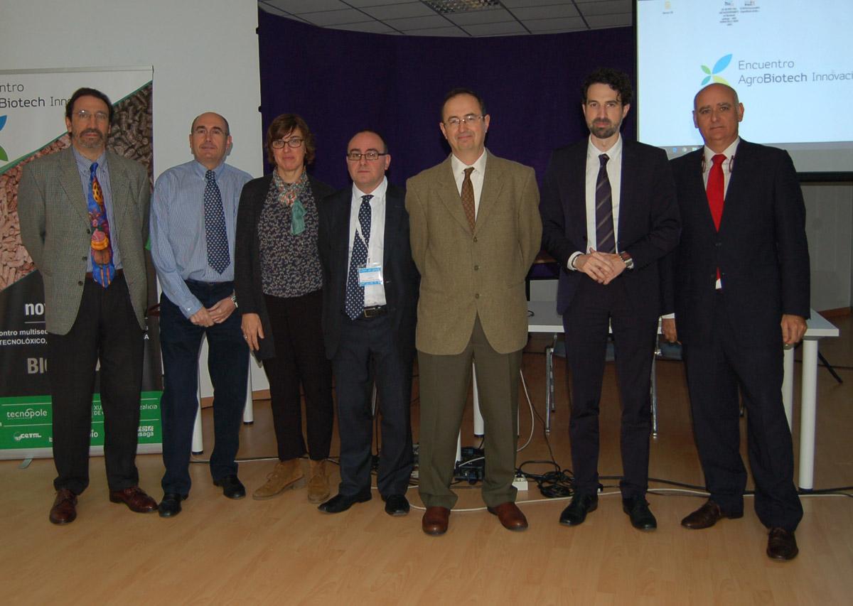 José Berenguer, coordinador do proxecto, con outros investigadores en Ourense.