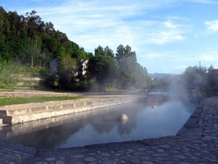 Termas do río Caldo, en Lobios, onde o equipo busca microorganismos.