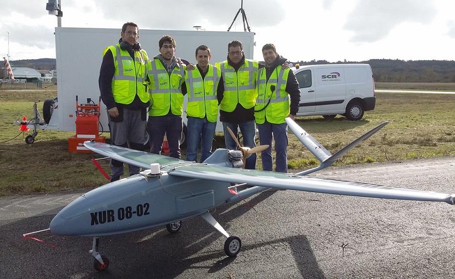Enxeñeiros de AtlantTIC co drone empregado en Rozas (Lugo).
