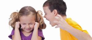 Os problemas de conducta na infancia poden derivar en trastornos na idade adulta.