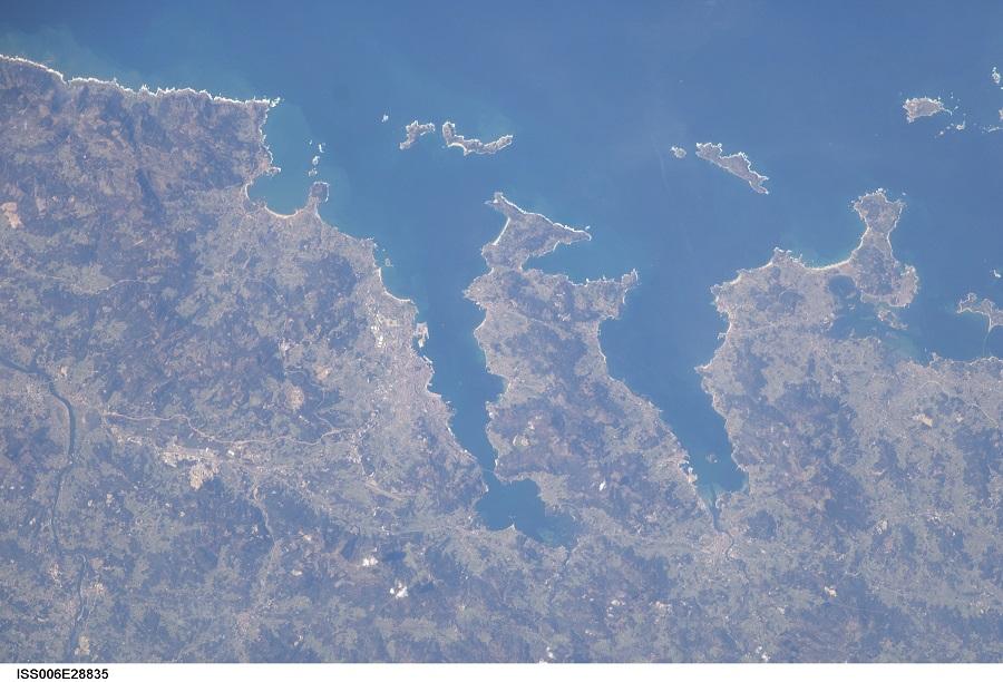 Unha foto das Rías Baixas tomada no 2011 dende o módulo Cúpula da ISS.