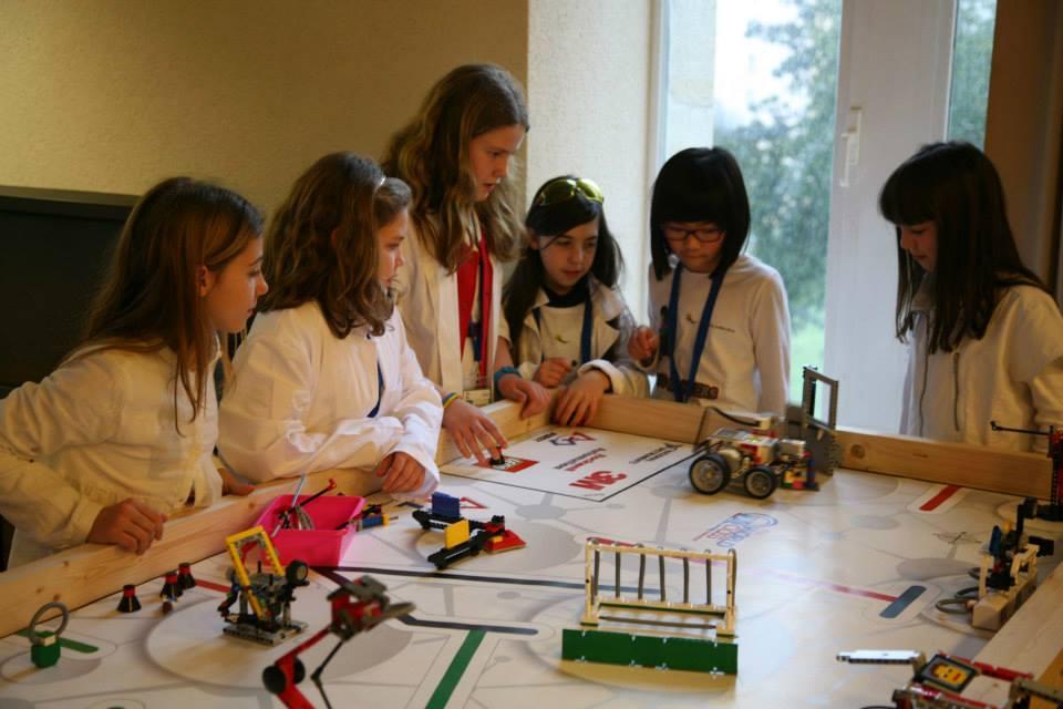 Participantes na First Lego League.