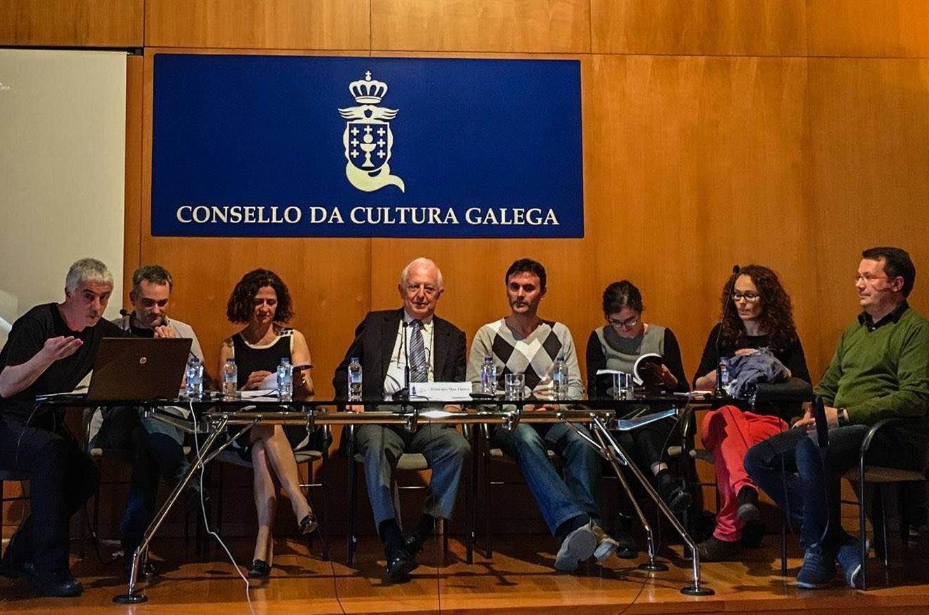 Mesa de debate sobre divulgación organizada polo Consello da Cultura Galega.