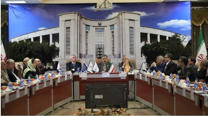 Reunión en Teherán dos representantes da USC.