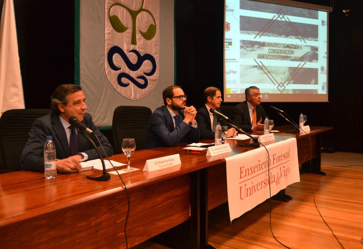 Roberto Arias, José Manuel Corbacho, Francisco Marín e Enrique Valero, durante o seminario