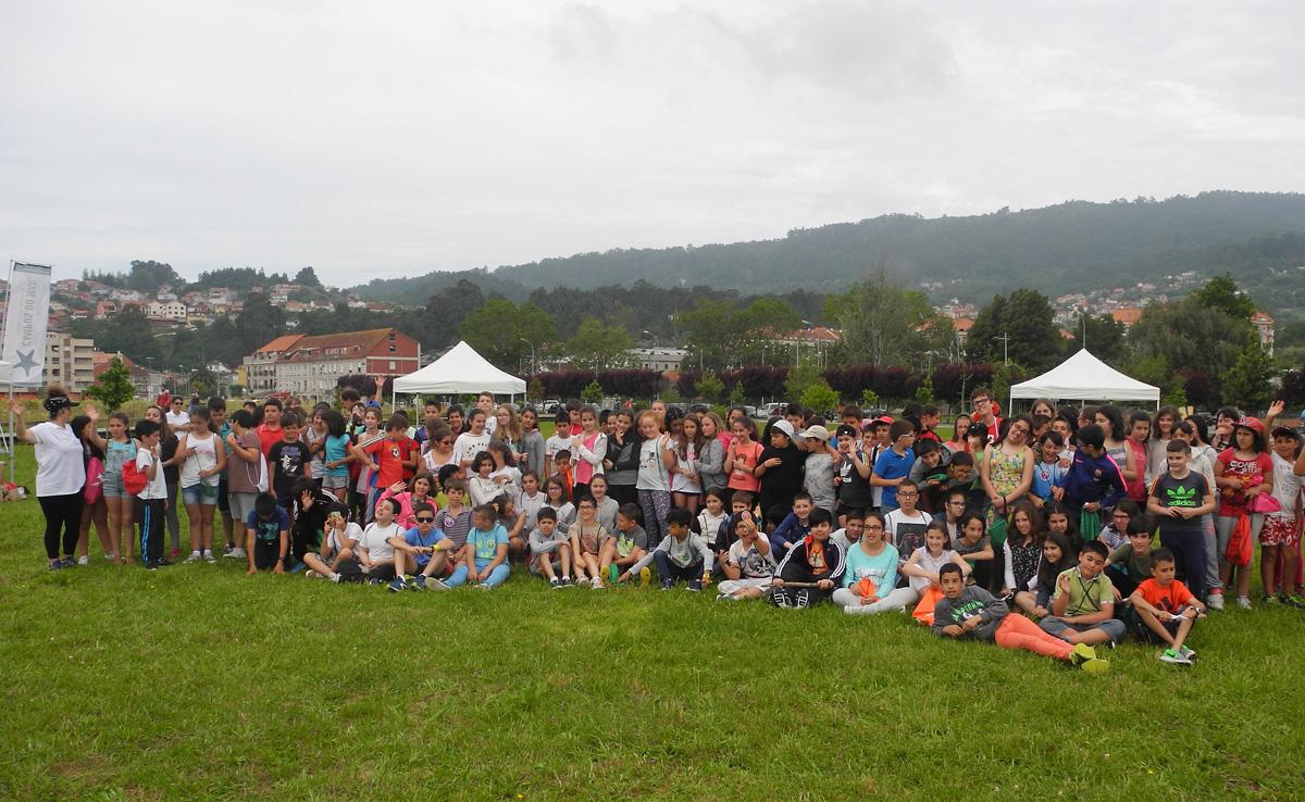 Máis de 150 escolares participaron nas actividades didácticas e de concienciación no areal da Xunqueira.
