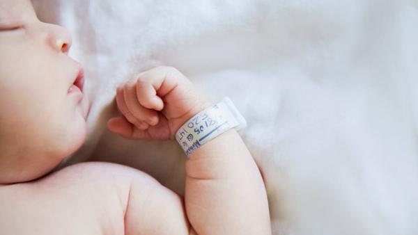 Xa desde o nacemento, as nenas responden mellor ó estrés que os nenos.