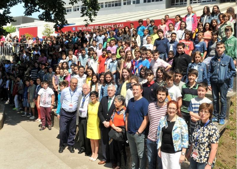 Foto de grupo dos participantes na proba da novena edición, en xuño de 2015.