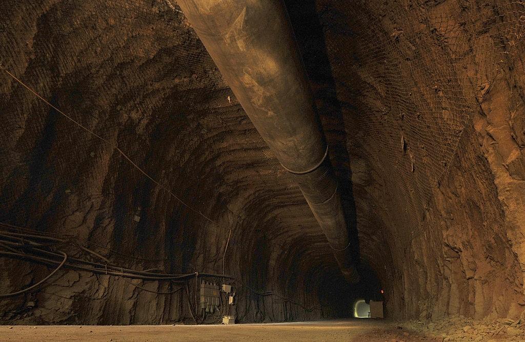 O túnel retratado en Berlín por History Channel.