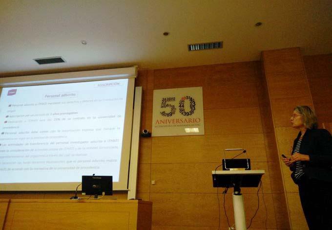 Peregrina Quintela presenta a memoria do ITMATI.