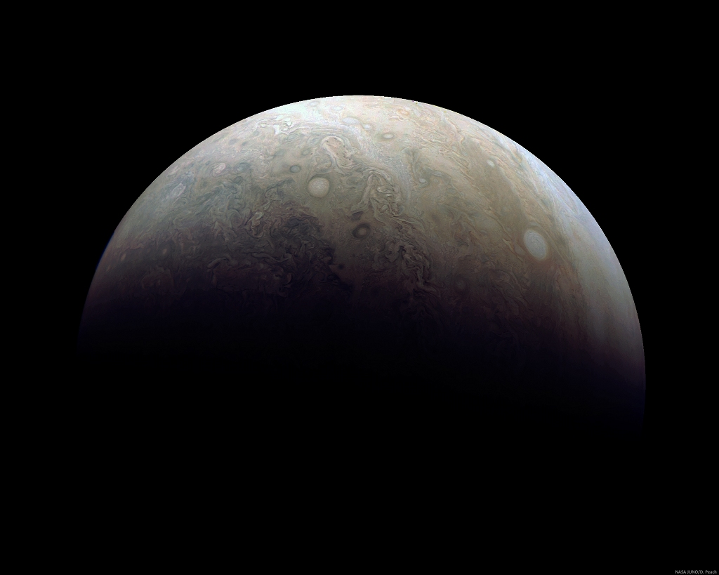 Créditos da imaxe: NASA, JPL-Caltech, SwRI, MSSS; Procesado: Damian Peach