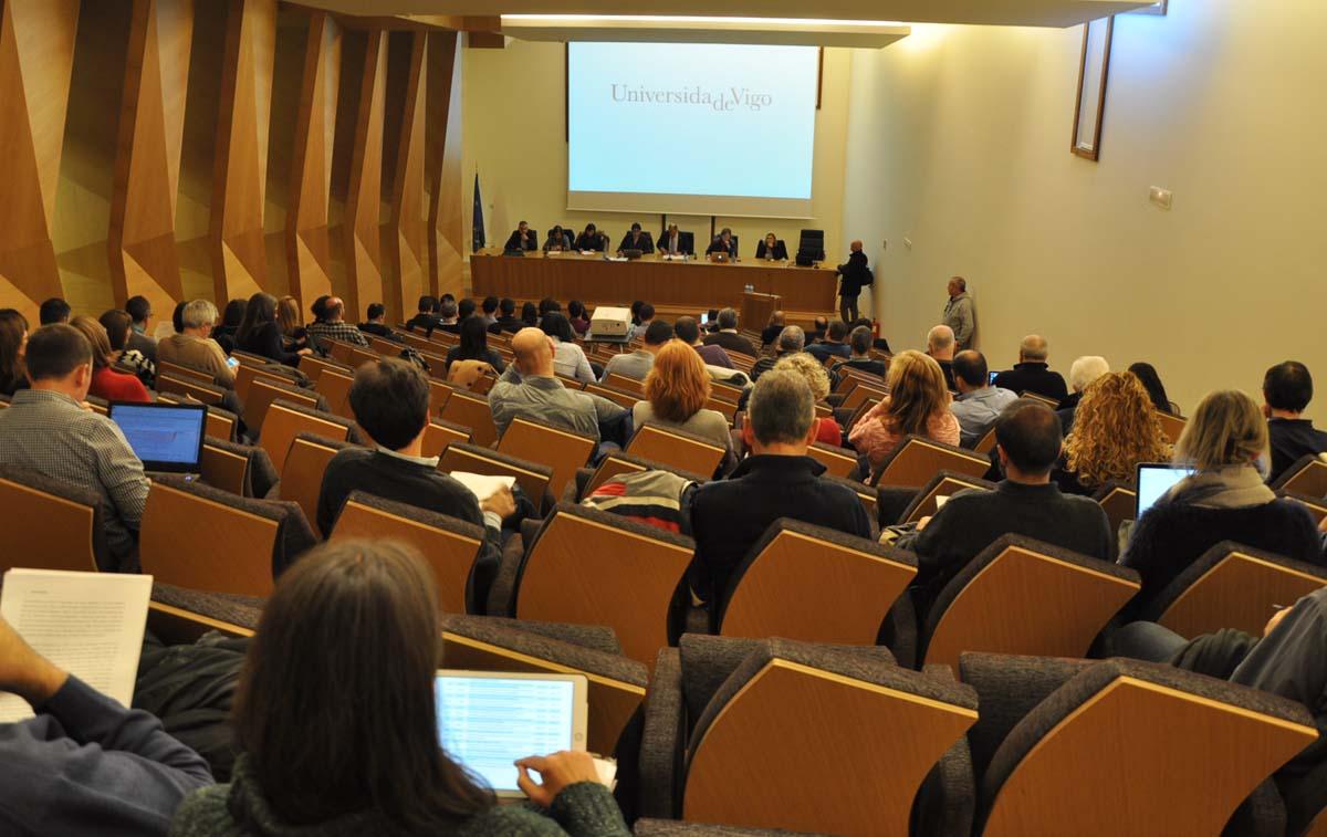 Sesión do Claustro da UVigo que aprobou os orzamentos para 2017.