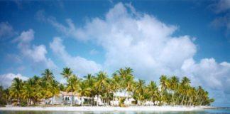"""Illa de Amanu, onde chegaron os náufragos da """"San Lesmes""""."""