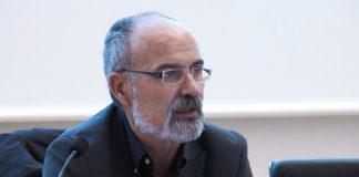 Carlos Diéguez, da USC, nunha conferencia na Universidade de Vigo.