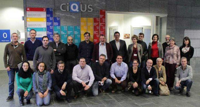 Investigadores galegos en ciencias e materiais moleculares, reunidos onte en Santiago.