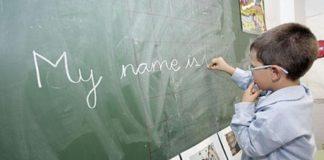 Un neno bilingüe galego-castelán terá máis doado aprender inglés.