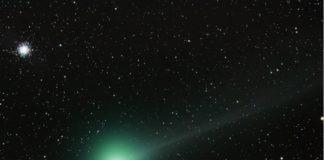 O cometa Lovejoy e a súa cor verde. Foto: Paul Stewart. Licencia:CCommons.