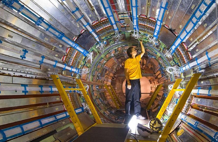O congreso estudará a ruptura da simetría entre materia e antimateria producida no Big Bang.