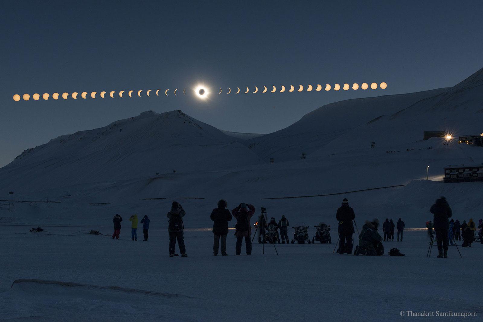 Eclipse total sobre Svalbard