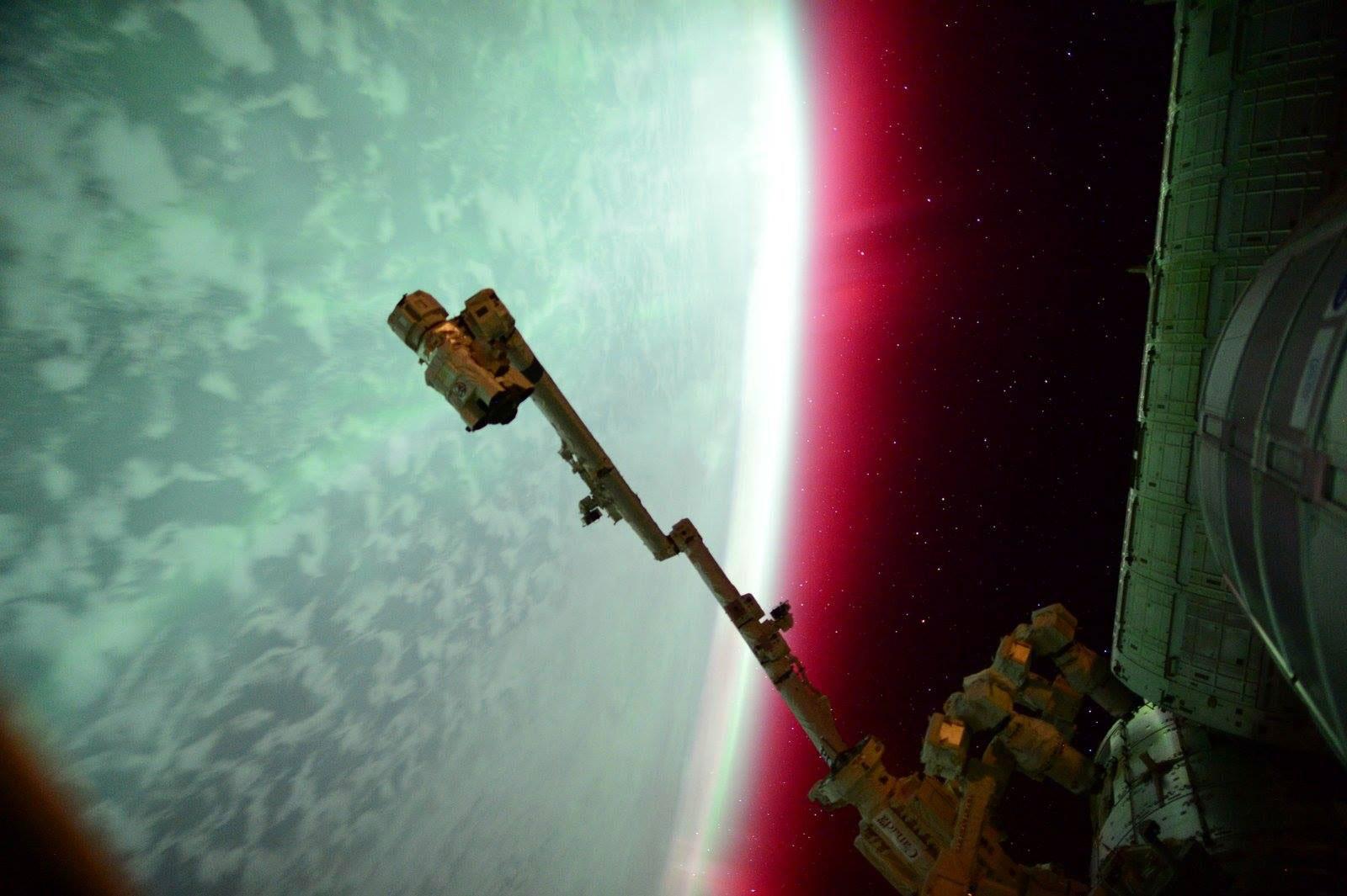Autora na Terra vista desde a Estacion Espacial Internacional