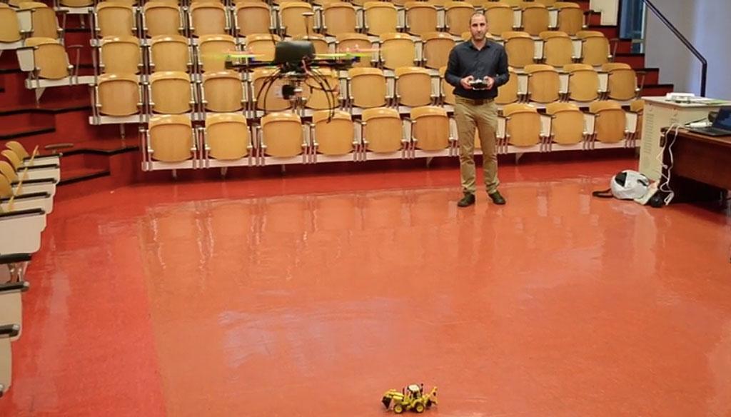Probas cun drone na Universidade da Coruña para controlar maquinaria de obra en tempo real.