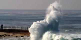 Recoméndase precaución no acceso a peiraos e praias toda a fin de semana.