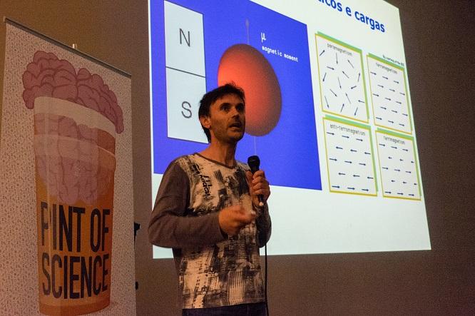 O investigador e divulgador Jorge Mira.