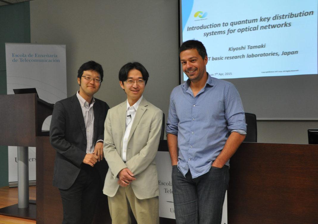 O vigués Marcos Curty cos xaponeses Kiyoshi Tamaki e Koji Azuma, na UVigo.