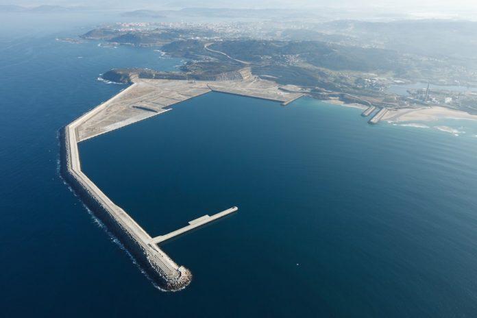 Imaxe do porto exterior de Punta Langosteira. Foto: APCoruña.