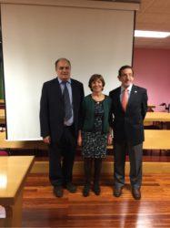 María Luisa Barreal, entre Gonzalo Fernández e Pablo Díez Baños, na Facultade de Veterinaria de Lugo.
