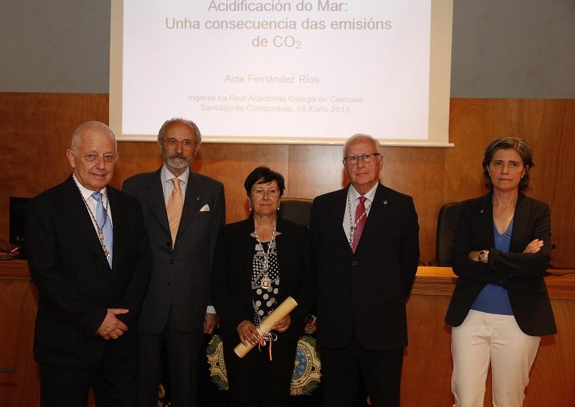Aida Fernández Ríos, ao remate do acto de ingreso na RAGC.